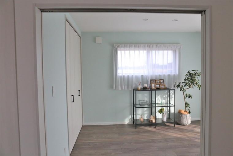 塗壁の洋室