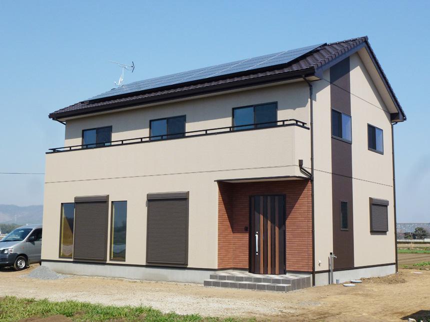 大容量の太陽光を設置したシンプルな50坪の家