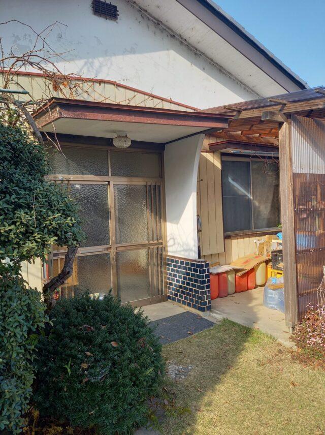 【下妻市】玄関引戸交換、外壁張替えリフォーム工事依頼されました
