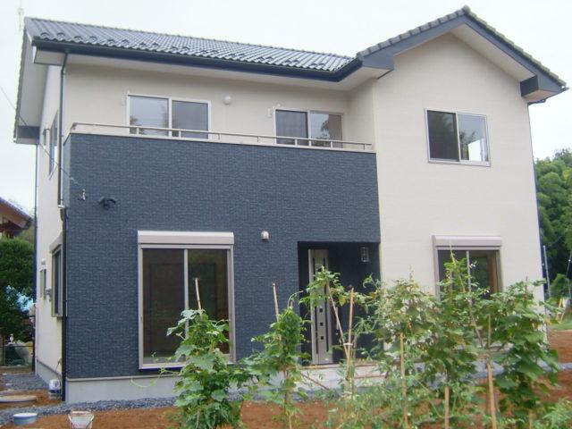筑西市で外壁塗装工事進行中です!