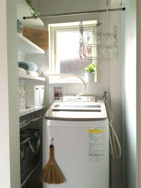 洗濯機周りも使いやすい収納&仮干しスペース