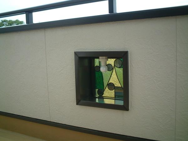 ステンドグラス仕様のバルコニー